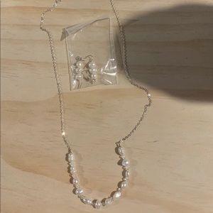 Jewelry - Beautiful brand new necklace & matching earrings.